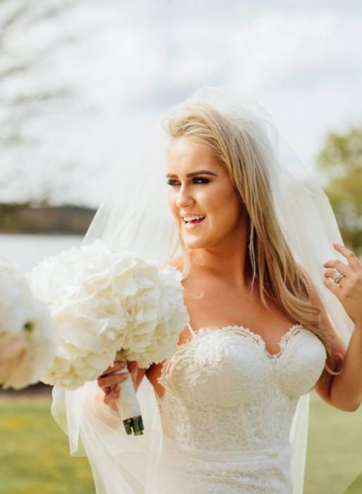 wedding ceremony northern ireland enniskillen fermanagh inspiration hire ni decor n.ireland white bridal bouquet