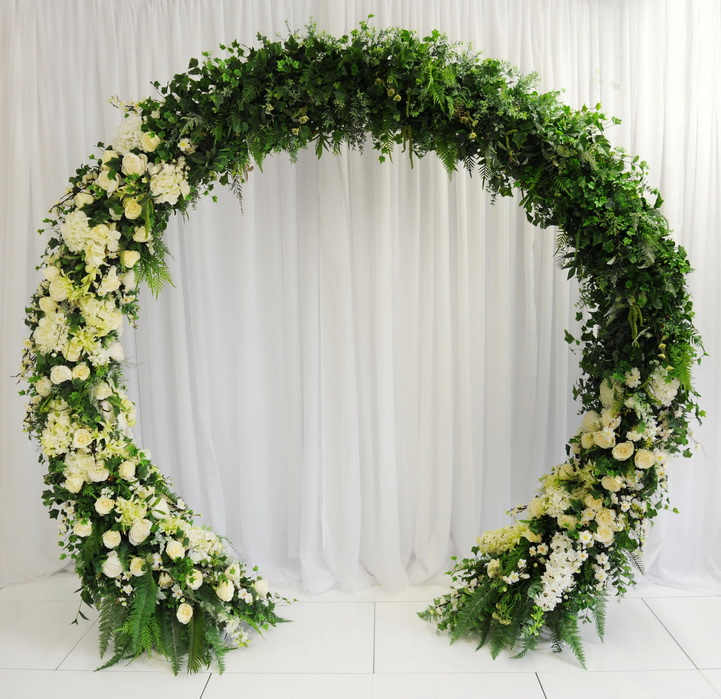 Wedding Flowers Northern Ireland: 4 Reasons Why To Pick A Hired Arch Over A Fresh Floral